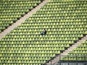 Stade supporter seul